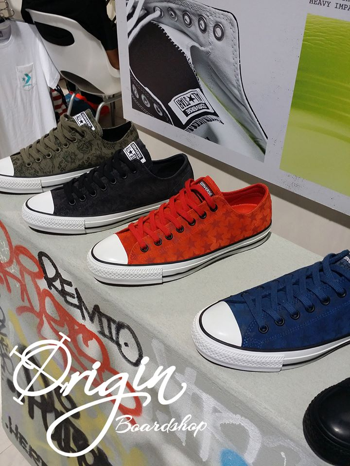 converse laced shoes