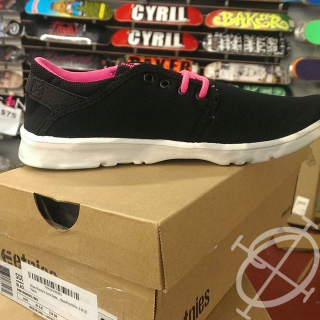 ladies etnies scout shoes