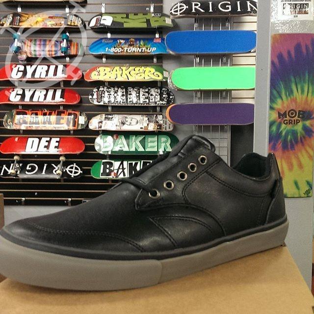 dekline timtim shoes